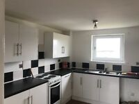 £450 3 BED FLAT UNFURNISHED AND JUST BEEN DECORATED