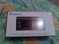Goodmans Black Alarm Clock with USB GCRUB03