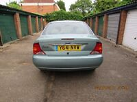Ford focus ghia saloon 1.6 manual