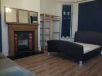 3 double room in Aigburth Sefton park QUIET COSY fully furnished with all bills included