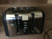 X4 SLICE TOASTER . EXCELLENT CONDITION