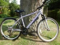 Apollo Jewel Lady's/girls Mountain Bike 17 in frame, 26 in wheels 3x7 Shimano twistgrip gears