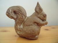 Margaret Bennett (MB) studio ceramic squirrel ornament. Excellent condition. £5 ovno. Can post.