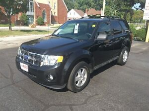 2011 FORD ESCAPE XLT- SUNROOF, SATELLITE RADIO, SECURITY SYSTEM,
