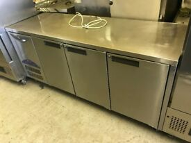 WILLIAMS BENCH FRIDGE CAFE KEBAB CHICKEN RESTAURANT CATERING COMMERCIAL KITCHEN EQUIPMENT SHOP BAR