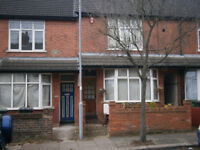 Two Bedrooms Terraced (House) Colin Road || Round Green Area, Luton LU2