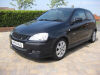 Vauxhall Corsa SXi+ 16V Twinport. Black. Good condition. FSH, just serviced. Great runner.