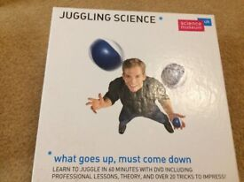 Complete juggling science balls set, including DVD with professional juggling lessons!