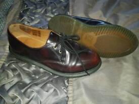Dr marten shoes size 4