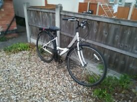 Lady city bike with all accessories included, 100 pounds (Beeston, Nottingham)