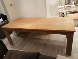 Solid wood NEXT extendable dinning table