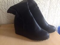 Leather high boots - Brand New (UK 5)