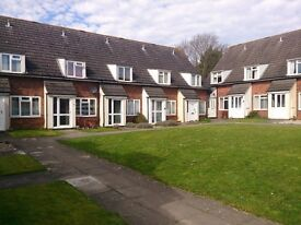 Fully Furnished 2 Bedroom Terraced House in Salisbury in quiet private courtyard