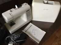 Sewing machine / Overlocker