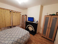 Large double room in Colindale