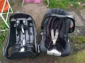 Graco car seat whit Base
