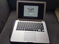 Apple macbook air 2017 i5