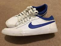 Mens / boys Nike trainers size 6 nearly new excellence condition