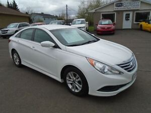 2014 Hyundai Sonata GL Auto Loaded Heated Seats