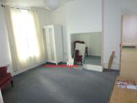 3 bedroom flat available near Shadwell gardens, E1.