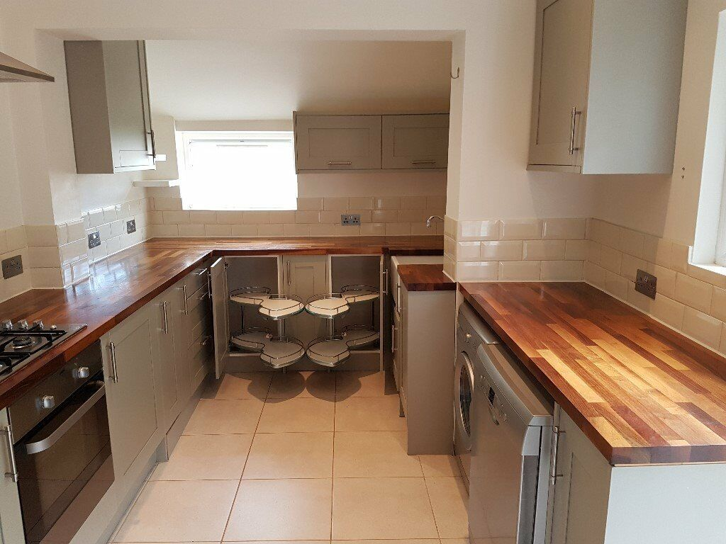 Used Wickes kitchen units with some appliances (oven, gas hob ...