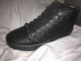 Men's Glorious Gangsta Trainers haven't been used - size 8