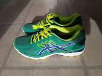 Asics Mens running shoes GT 2000 Size 10 UK,