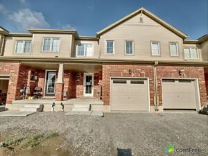 $409,999 - Townhouse for sale in Brantford