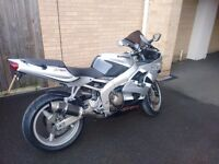 2002 636cc Kawasaki Ninja Sport Bike for SALE w/Carbon Fibre Exahust