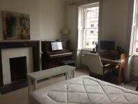 Lovely large studio flat in Hotwells