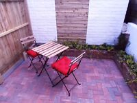 Studio flat with courtyard garden close to Poole Hospital - Bills Included