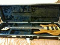 Raven West RB5500 bass + case