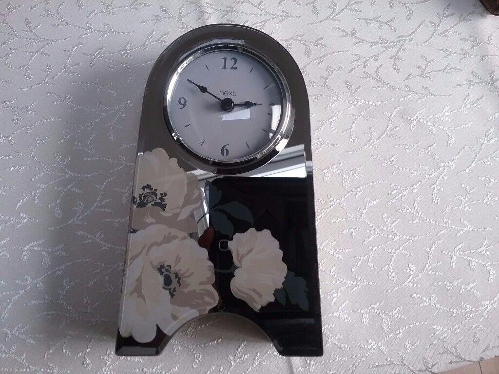 Next mantle piece clock