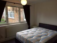 ZONE 2 DOUBLE ROOM AVAILABLE IN A MODERN FLAT WITH BILLS INCLUDED MINUTES TO STOCKWELL STATION