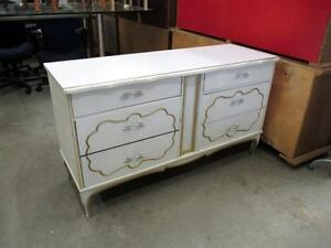 White Luxury Style Maple 6-Drawer Dresser - Vintage, Used -