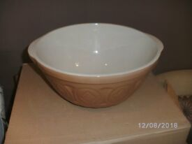 Large size mixing bowl one of the original types made by Thomas Plant