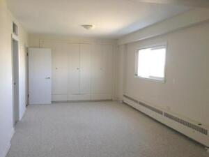 Crescent Towers - Rest of May Free - Great Monthly Rental...
