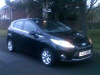 **IMMACULATE GLEAMING BLACK 2010 FORD FIESTA 1.4 TDCI ZETEC**£20 ROAD TAX**RENAULT,VAUXHALL,PEUGEOT