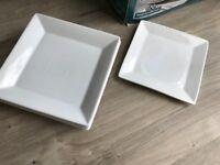 White dinner plate set