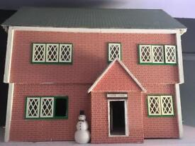 Collectors dolls house completely furnished