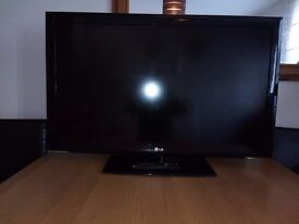 """LG 42"""" HD LCD TV for spares & repairs"""