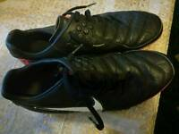 Football shoes for sale size 7