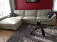 SECTIONAL SOFA FOR SALE / SECTIONNEL A VENDRE