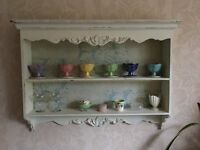 Display shelving, period style