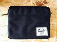 HERSCHEL iPad sleeve *perfect condition*