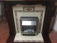 GORGEOUS ELECTRIC FIRE WITH FULL SURROUND VERY NICE