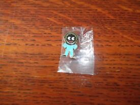 ROBERTSON'S BLUE ASTRONAUT GOLLY BADGE 2003 ISSUE STILL IN BAG
