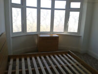 2 Bedroom Flat Double Room in Parkstone Poole close to Ashley High Road