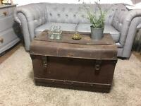 VINTAGE TRUNK CHEST FREE DELIVERY SIDE TABLE COFFEE TABLE 🇬🇧Chest