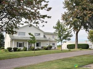 1 550 000$ - Maison 2 étages à vendre à Auteuil